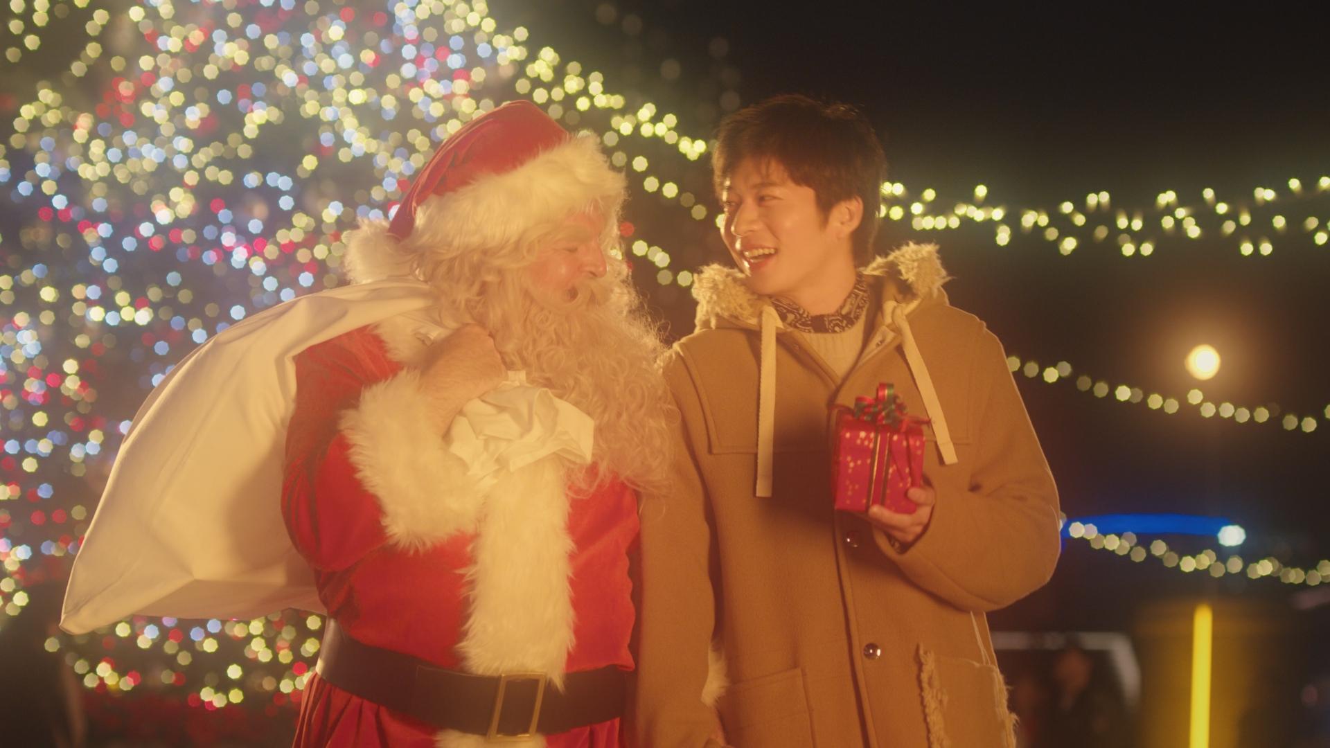♬SoftBank music project 田中圭がクリスマスデートで危機一髪!? 宮本浩次が「恋人がサンタクロース」をカバー